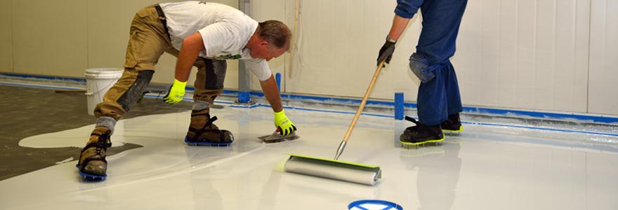 Revêtement de sol sous forme de peinture